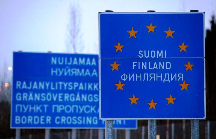 Что посмотреть в Финляндии зимой за один 2-3 дня на машине с детьми недалеко от границы на Новый год Хельсинки